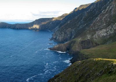 Cliffs By Deejayw 400x284