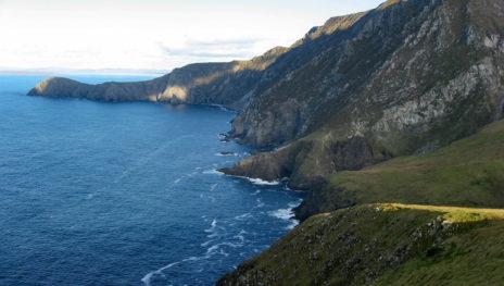 Cliffs By Deejayw 464x263