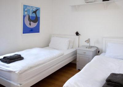 Twin Bedroom 2 400x284