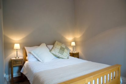 Bedroom Double 2 413x275