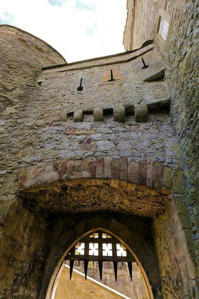 Cahir Castle Robert Lindsdell 390x585
