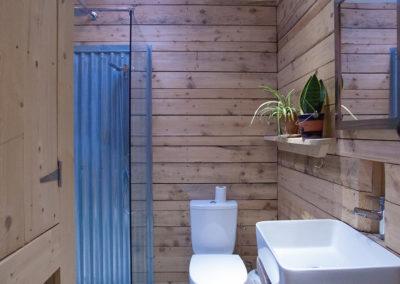 Annex Bathroom 400x284