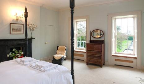 Double Bedroom 464x272
