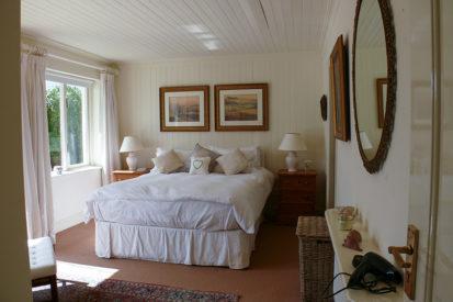 Double Bedroom 413x275