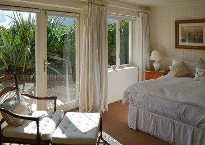 Guest Bedroom 400x284