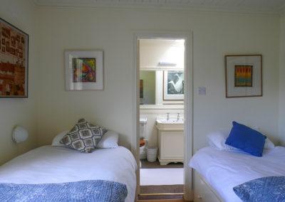 Twin Bedroom 400x284