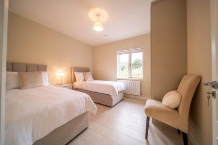 Bedroom Triple 2 450x300