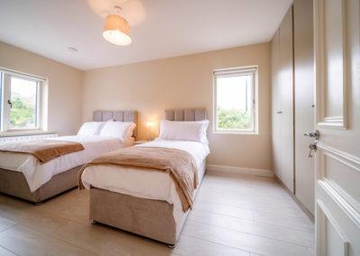 Bedroom Triple 400x284