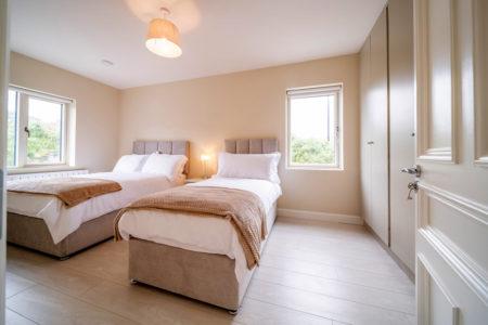 Bedroom Triple 450x300
