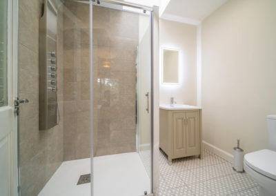 Shower Ensuite 400x284