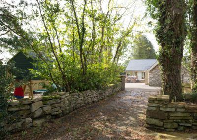 Garden Driveway House 400x284