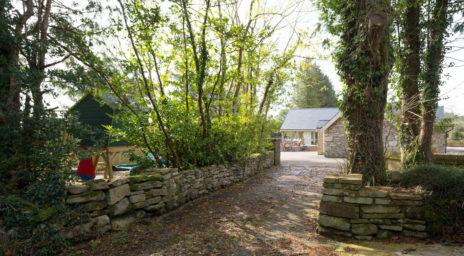 Garden Driveway House 464x256
