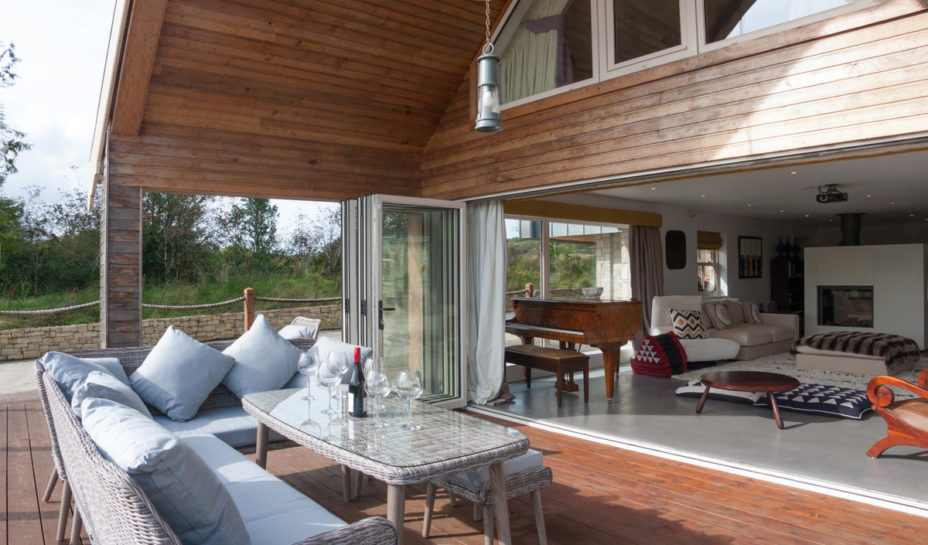 Terrace Quarter Angle In 928x545