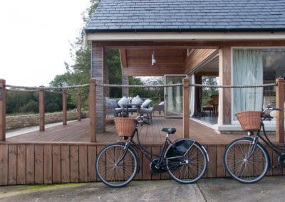 Terrace Side Bike 400x284