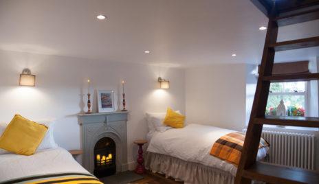 Twin Bedroom Ladder 464x268