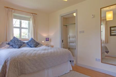 Bedroom 2 451x300