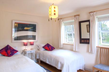 Bedroom Twin 452x300