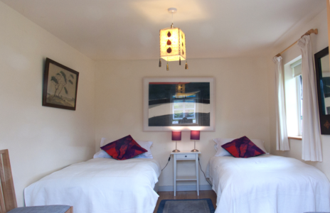 Bedroom Twin Beds 464x300