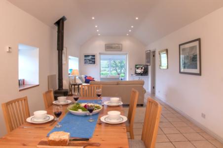 Dining Area 452x300