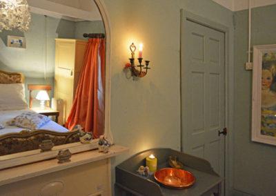 Bedroom1 400x284