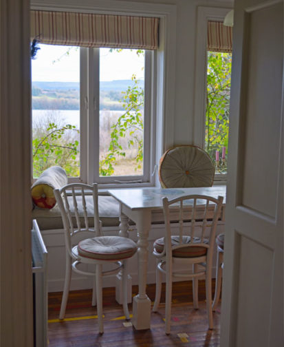 Dining View 413x504