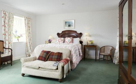 Master Bedroom 464x286