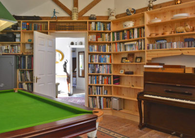 Library 400x284