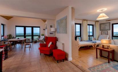 Living Area 413x252
