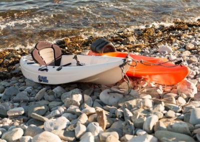Canoes 400x284