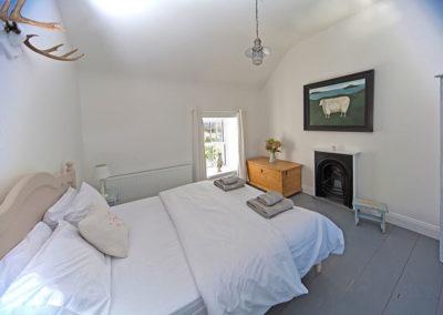 Bedroom 400x284