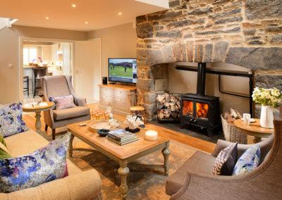 Living Room 2 400x284
