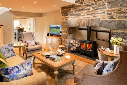 Living Room 2 413x275