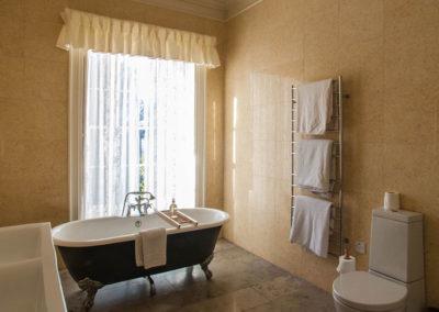 Bathroom Bath 400x284