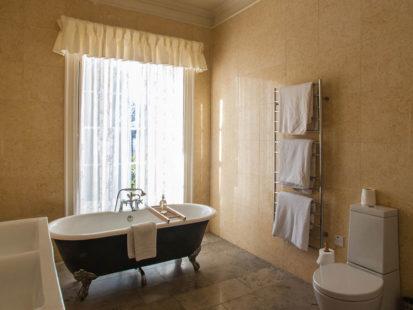 Bathroom Bath 413x310