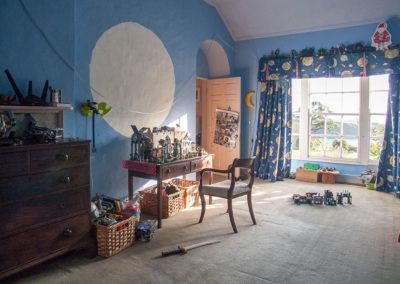 Bedroom Kids Window 400x284