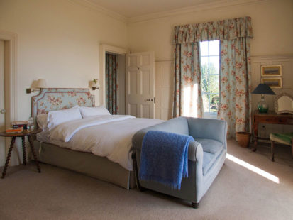 Bedroom Master Bed 413x310