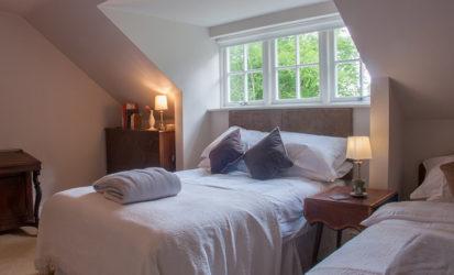 Bedroom Double Single 413x250