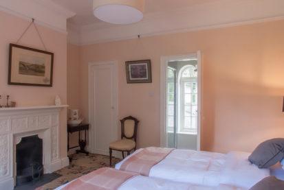 Bedroom Twin Ensuite 413x277
