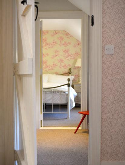 Doorway 413x547