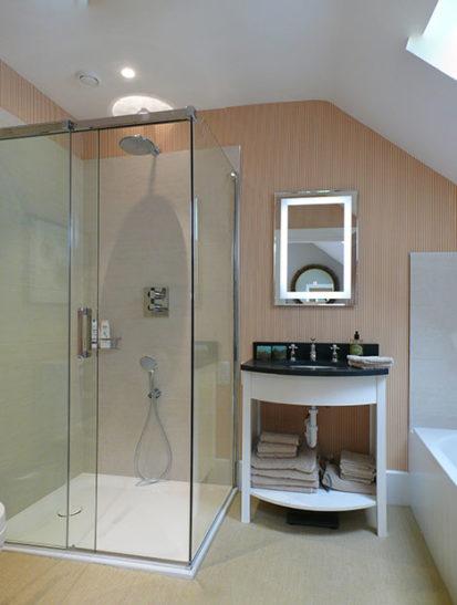 Ensuite Bathroom 413x547