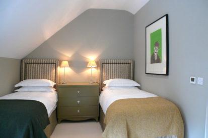 Twin Room 413x275