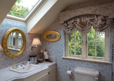 Bedroom Ensuite Sink 400x284