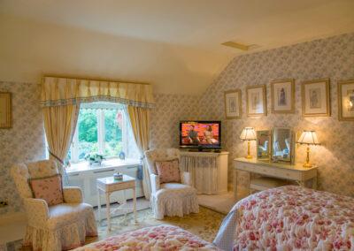 Bedroom Twin Window 400x284