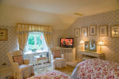 Bedroom Twin Window 413x275