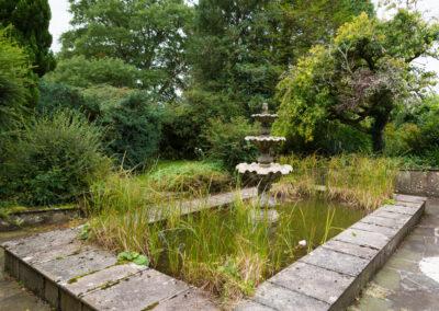 Pond Fountain Angle 400x284