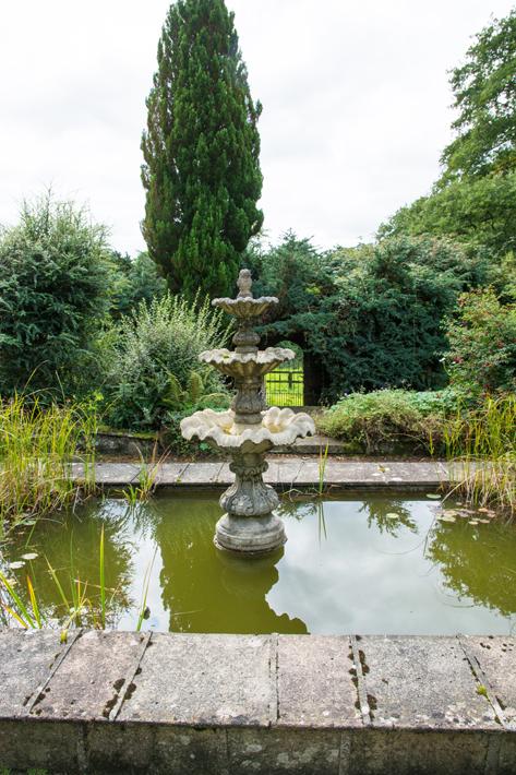 Pond Fountain Close
