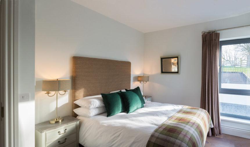 Bedroom Bed 861x508