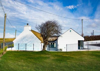 Cottage Side 400x284
