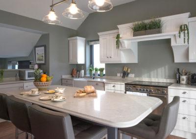 Kitchen Breakfast Bar 400x284
