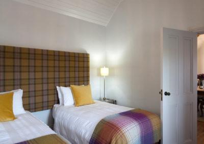 Twin Bedroom 1 400x284